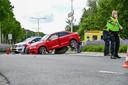 De achtervolging eindigde in een crash op een rotonde aan de Plantageweg.