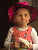 De 4-jarige Ilze in 2017, kort na het ongeval.