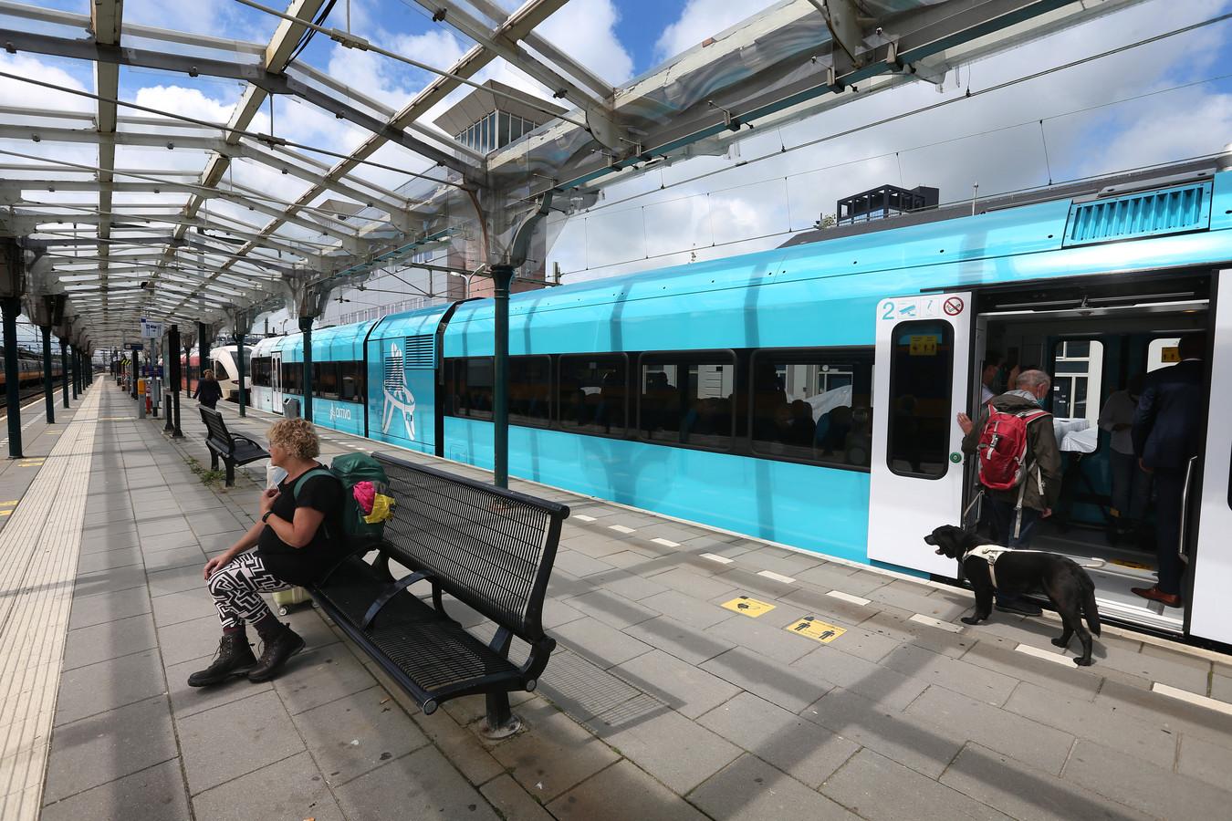 Een vernieuwd treinstel van Arriva.