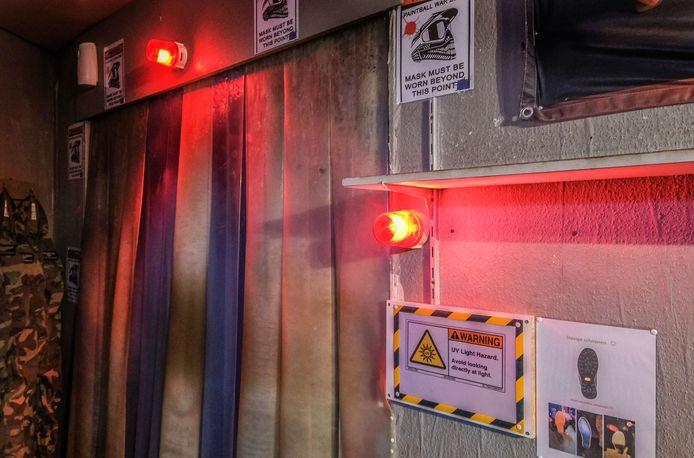 Paintball Valley heeft een hypermodern systeem geïnstalleerd dat het paintballmateriaal ontsmet met UV-licht.