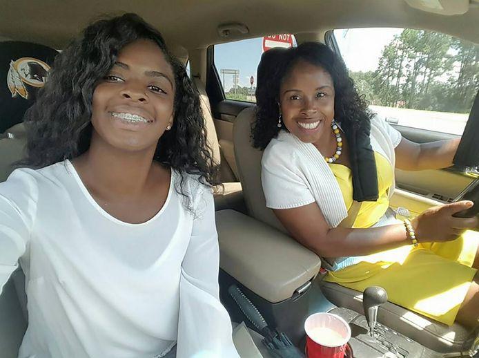 Kamiyah Mobley met haar kidnapster Gloria Williams, waarvan ze 18 jaar lang dacht dat ze haar moeder was.
