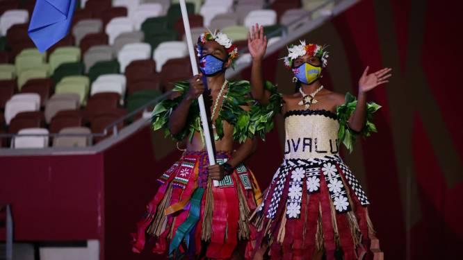 IN BEELD. Heel wat gekke en knappe outfits op openingsceremonie Olympische Spelen