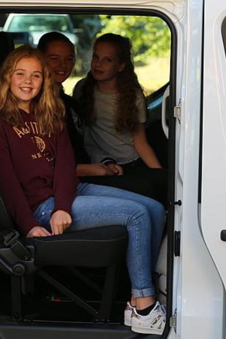 Taxibus Valleihopper laat honderden kinderen in de kou staan