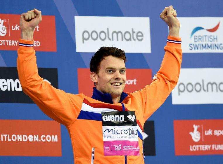 Swimming- European Aquatics Championships- Men's 200m freestyle final - London, Britain, 18/5/2016. Netherland's Sebastiaan Verschuren celebrates his victory.                   REUTERS/Tony O'Brien Beeld REUTERS
