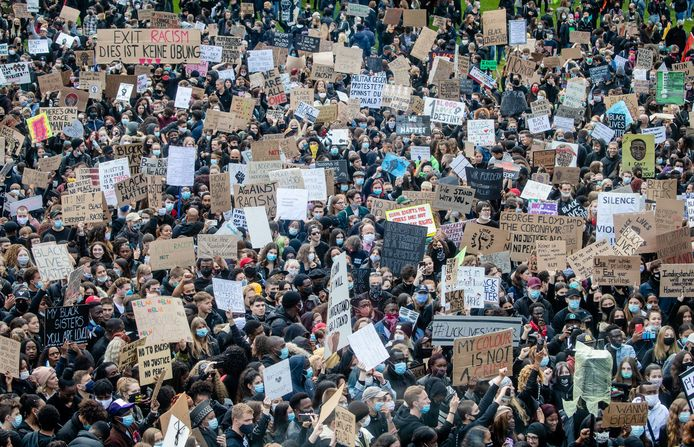 Demonstranten in Stuttgart.