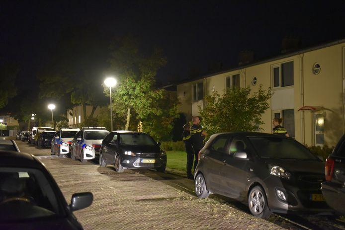 Buurtbewoners werden op 11 september vorig jaar, net na middernacht, opgeschrikt door een harde knal in de Hazelaarstraat in Almelo.