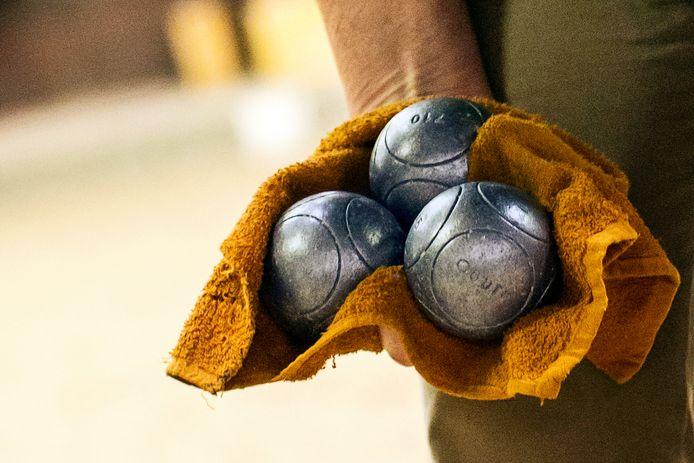 'Petanque is de zondagse naam voor jeu de boules. Huissenaren zelf spreken liever van ketsen.' Foto ter illustratie.