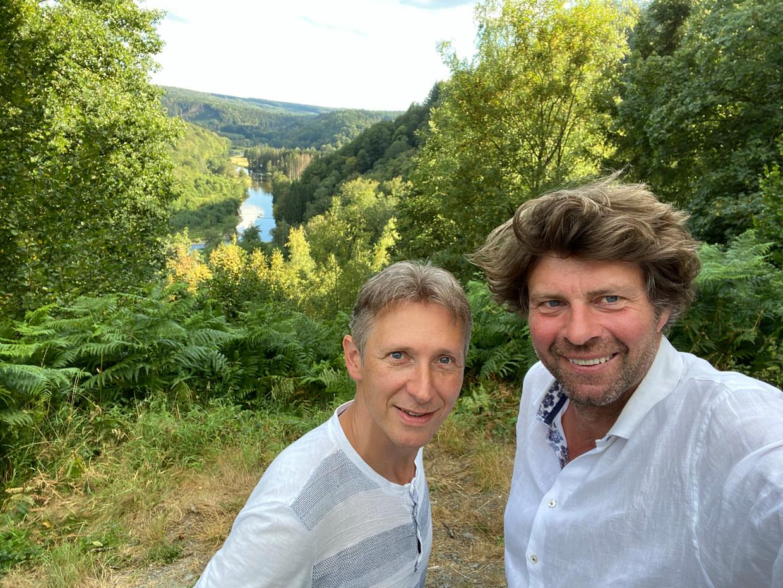'De Columbus' met Helmut Lotigiers en Wim Lybaert deed het vorige zondag wel goed. Beeld © VRT
