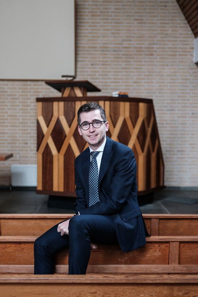 Dominee Willem Jan van de Velde in 'zijn' Goede Herderkerk in Doetinchem