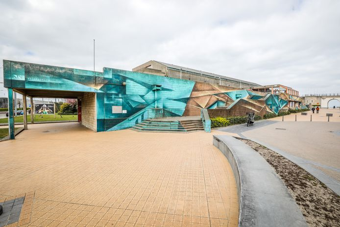 Het oude zwembad van Oostende zal gesloopt worden en de site wordt herbestemd in zijn oorspronkelijke staat als open ruimte.