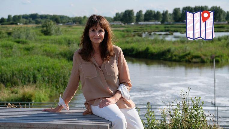Tine Van den Brande aan het overstromingsgebied.