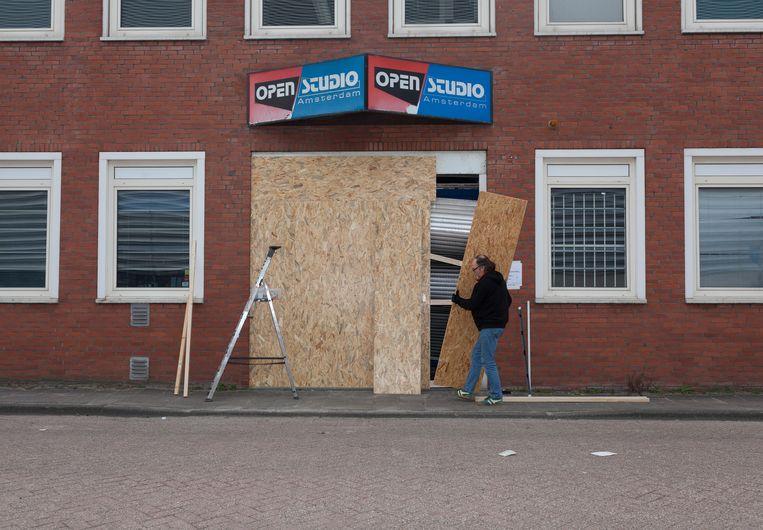 Open Studio Amsterdam aan de Johann Siegerstraat na het incident. Beeld Nina Schollaardt