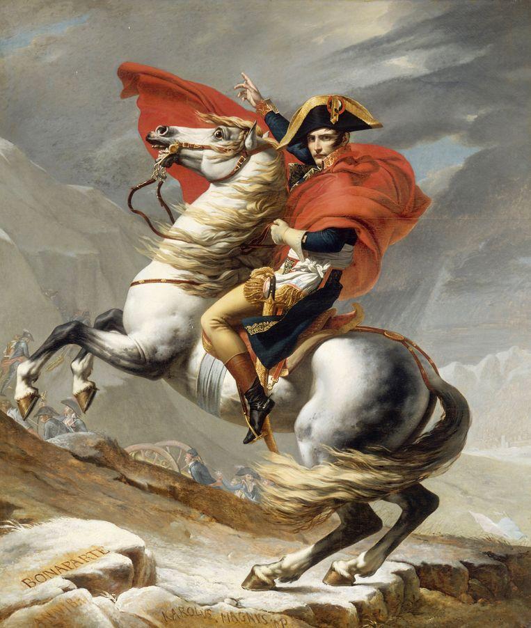 Bonaparte trekt heldhaftig over de Alpen, althans op een schilderij van Jacques Louis David. Van Loo: 'Napoleon gaat onder als veldheer, maar hij overwint als dicterend schrijver.'  Beeld © © Fine Art Images