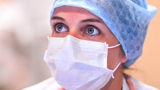 OVERZICHT. Gisteren bijna 600 nieuwe coronapatiënten opgenomen in ziekenhuis