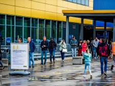 Ikea is weer open: lange rijen voor de deur