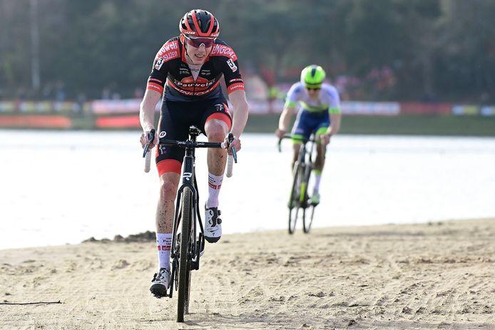 Michael Vanthourenhout legde beslag op de derde plaats.