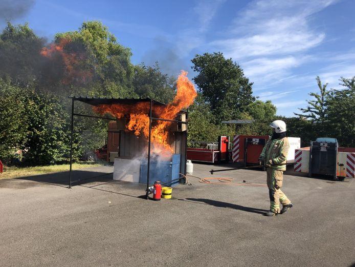 Onder andere in de Herentalse brandweerkazerne kan je deelnemen aan 'Start to Brandweer'