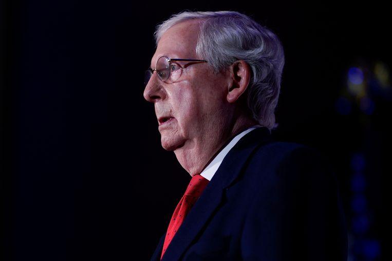 Ook de herkozen Republikeinse Senaatsvoorzitter Mitch McConnell noemt de Belgisch-Amerikaanse professor em. Alison Woodward (VUB) een 'flip-flop'-politicus. Beeld REUTERS
