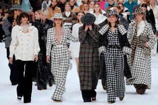 fotoreeks over Tranen voor Lagerfeld
