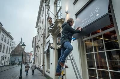 Eenzaam verzet tegen hogere reclametaks in Breda