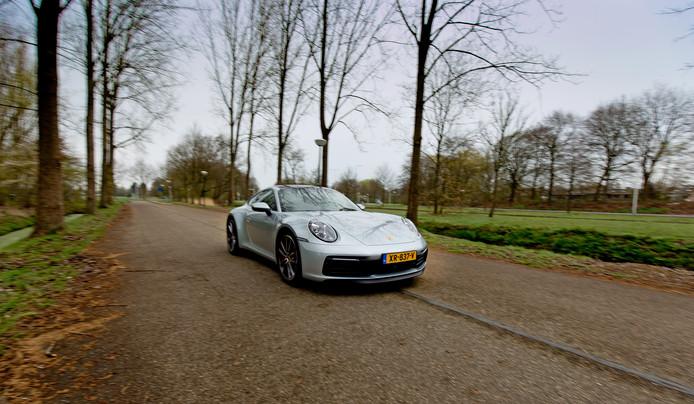 LEUSDEN - Porsche 911 Carrera 4S voor Persgroep autotest van Erik Kouwenhoven. FOTO BART HOOGVELD