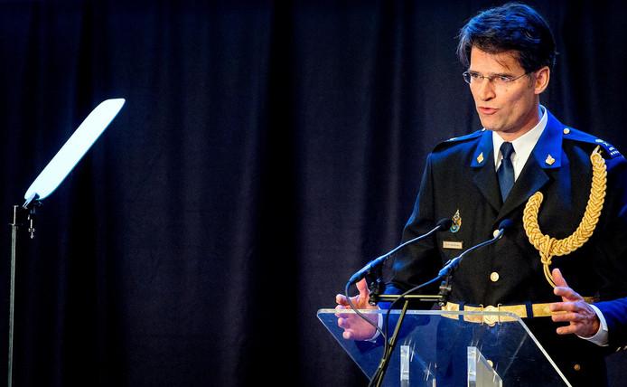 Erik Akerboom tijdens de ceremoniële bijeenkomst in 2016, toen hij werd geïnstalleerd als chef van de Nationale Politie.