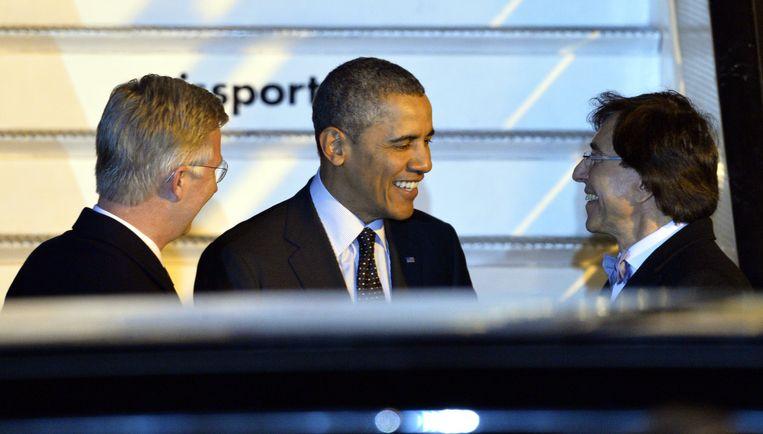 Koning Filip, president Obama en voormalig premier Elio Di Rupo hebben het gezellig. Volgt eind mei ook een foto met premier Michel en Donald Trump? Beeld BELGA