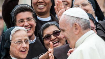 Vaticaan waarschuwt kloosterzusters zich niet te veel in te laten met sociale media