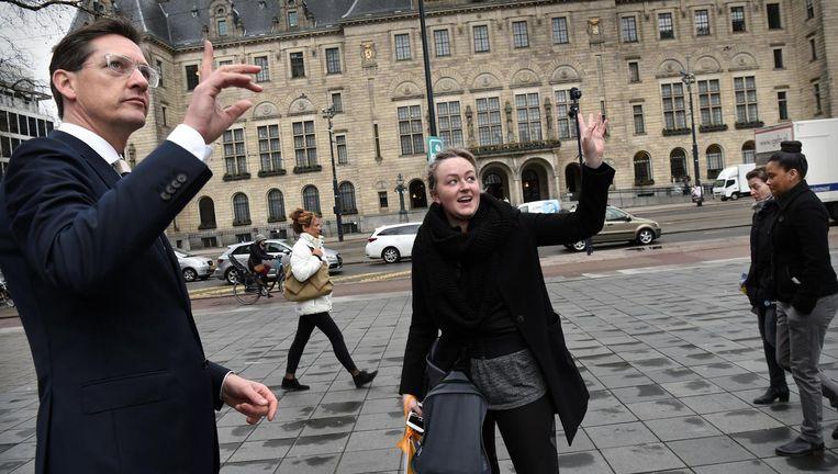 Joost Eerdmans voor het stadhuis van Rotterdam Beeld Marcel van den Bergh