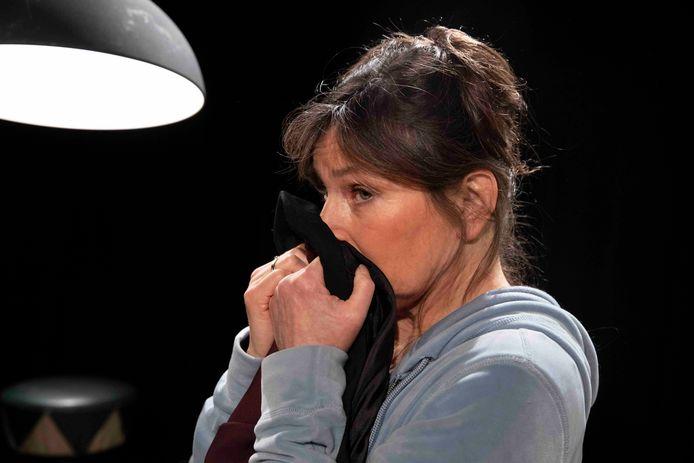 Debby Petter in de voorstelling De Liefde Voorbij.