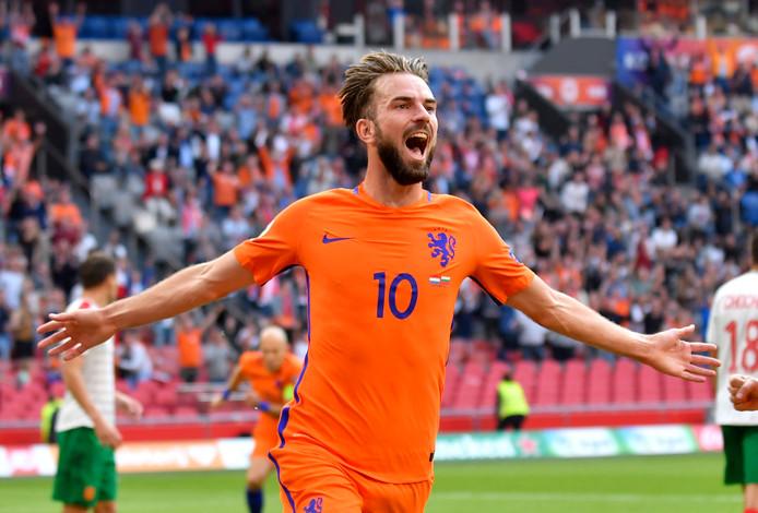 Davy Propper na de 1-0 voor Nederland