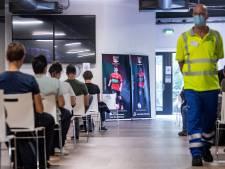 Helft Gelderse tieners heeft (afspraak voor) coronaprik binnen: 'Deel is nog op vakantie'