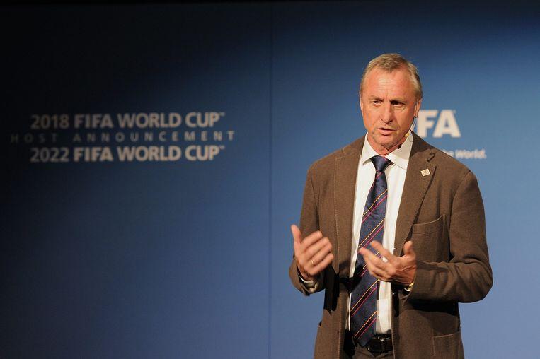 Johan Cruijff tijdens een toespraak op het FIFA-hoofdkantoor in Zürich in 2010. Beeld BELGA