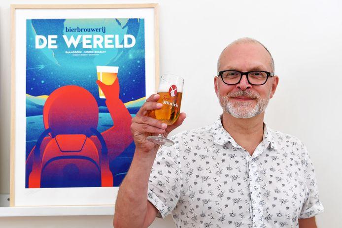 Graficus Hans Smeijsters heeft als hobby om posters te maken van brouwerijen. Zo ook van (voorheen) brouwerij de Wereld in Raamsdonk.