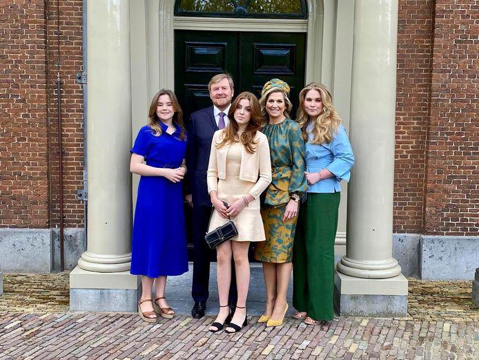 Koning Willem-Alexander, koningin Máxima en hun dochters Ariane, Alexia en Amalia.
