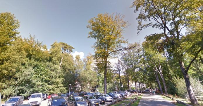 De parkeerplaats tegenover Hotel Mastbosch in Breda.