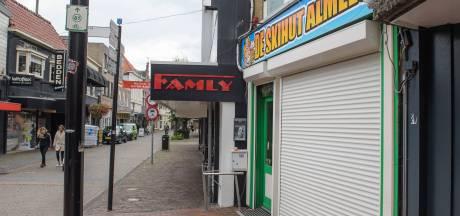 Café De Skihut in Almelo blijft voorlopig op slot