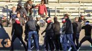Eendracht Aalst moet losliggende spullen weghalen uit stadion na rellen op 24 februari