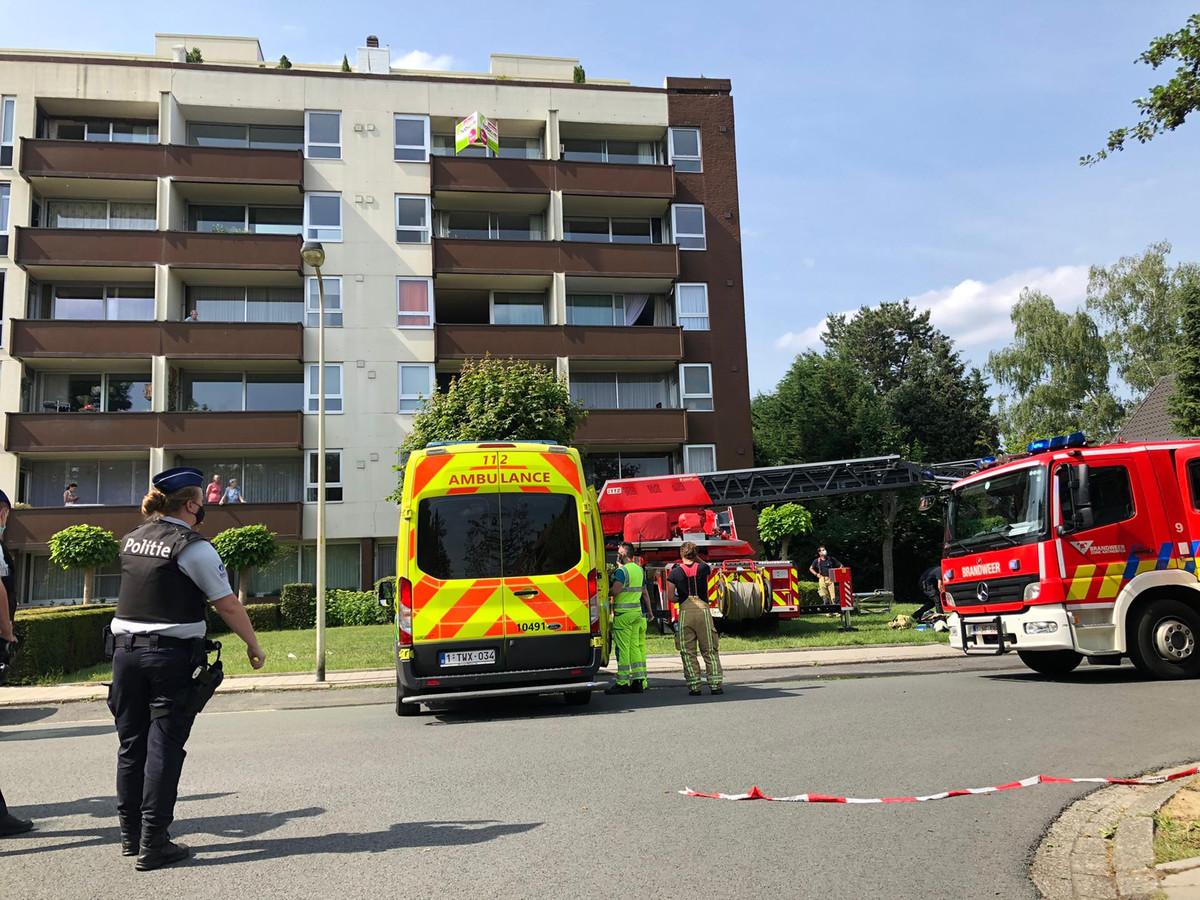 Vanmiddag brak een brand uit op de tweede verdieping in het appartementsgebouw in Den Eeckhofstraat in Edegem.