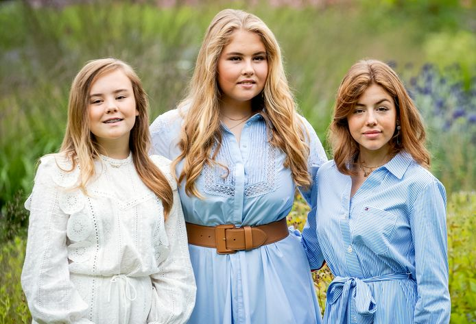 Amalia met haar zussen Alexia (rechts) en Ariane (links).