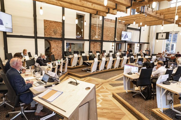 De gemeenteraad van Utrecht buigt zich in een speciale commissievergadering over de onlusten in een aantal wijken. Beeld ANP