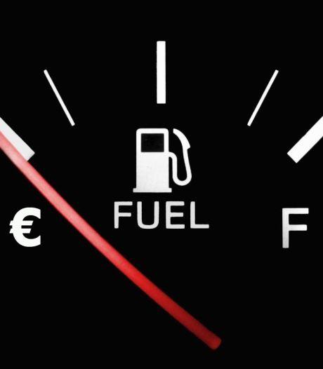Zoveel extra brandstof kost het gebruik van je radio, stoelverwarming en telefoonoplader