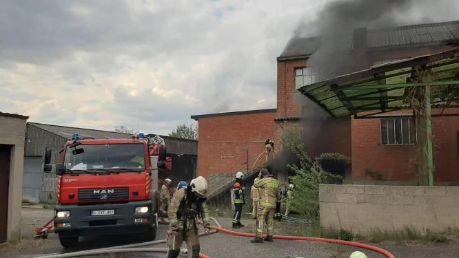 Politie onderzoekt mogelijke brandstichting