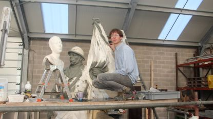 """Beeldhouwer-kunstenaar heeft gemengde gevoelens tijdens restauratie oorlogsmonument: """"Er zijn cultureel gezien belangrijkere zaken"""""""