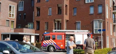 Brand op balkon in Hengelo, appartementen ontruimd