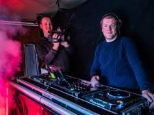 DJ Wesley wil Olst-Wijhe een thuisfeestje bezorgen met oud en nieuw: acht uur lang online vermaak