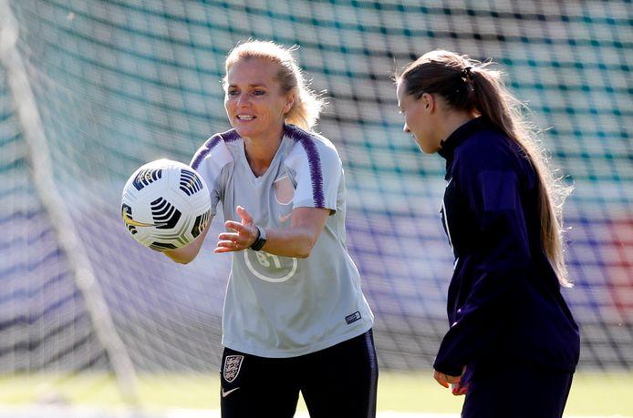 Sarina Wiegman en Mark Parsons spraken zich ook uit tegen een WK om de twee jaar.
