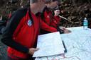 Oostenrijkse berg- en waterredders, ondersteund door speurhonden, een politiehelikopter en brandweerlieden van de Innsbrucker stadsdelen Amras en Wilten, vonden geen spoor van de Nederlander.