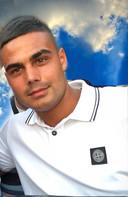 Apeldoorner Ömer Dogan overleed op 22 april samen met drie vrienden na een tragisch auto-ongeluk op de A1 bij Deventer. Zusje Sema poogt in zijn naam in meerdere landen waterputten aan te leggen.