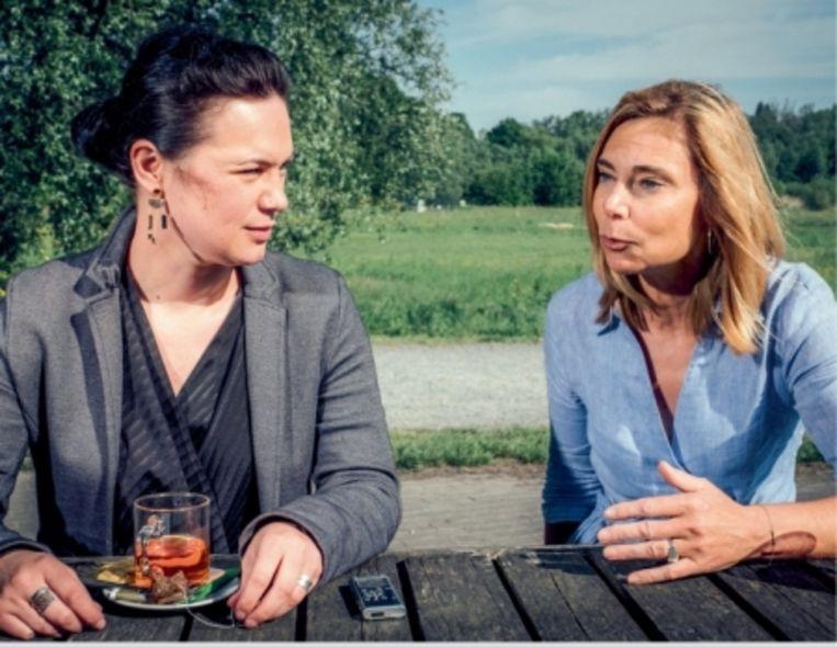 'De enige reden waarom ik voor de verkrachter van het Gentse Citadelpark vijftien jaar heb kunnen vorderen, is omdat hij de gsm van zijn derde slachtoffer had gestolen.' Zedenmagistraat Myriam Claeys (rechts) Beeld Wouter Van Vaerenbergh